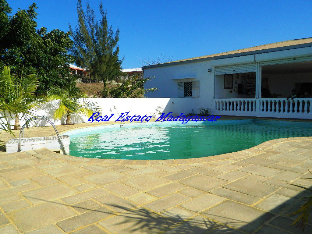 Sale villa with swimming pool sea view