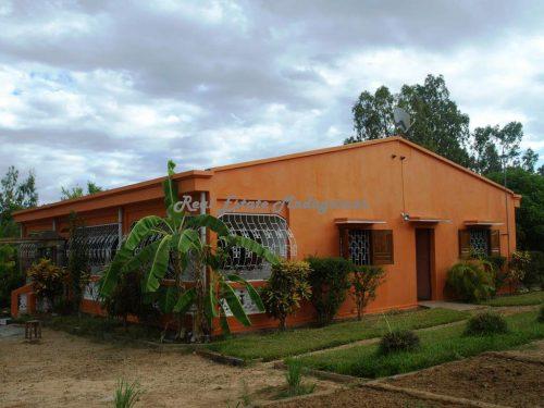 Rental annual district villa French high school Mahajanga