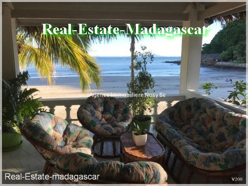 sale-villa-beach-front-madirokely-beach-nosybe-madagascar