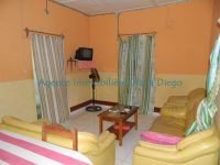 rent-furnished-small-house-with-three-bedrooms-downtown-diego