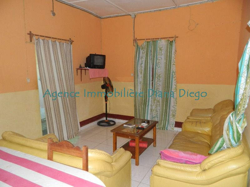 Rent furnished small house with three bedrooms downtown Diego