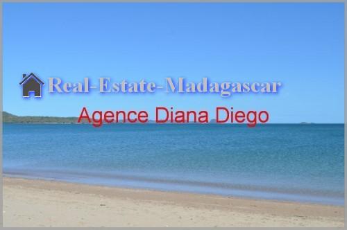 sale-grounds-near-beach-diego-suarez
