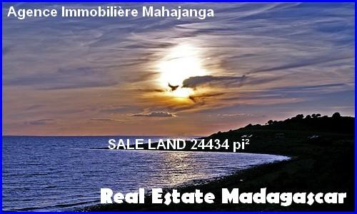 Sale land 2270 m² =24 434 ft² secure residence Mahajanga Madagascar