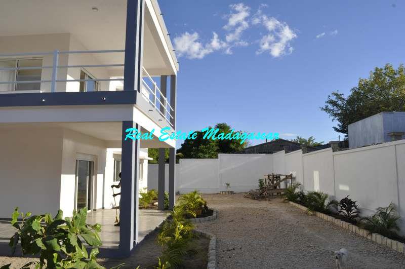 rent-two-bedroom-new-apartments-mahajanga