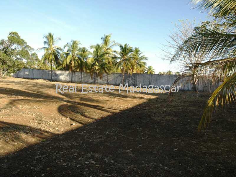 sale-land-6000-m²-or-64583-ft²-national-road-4-mahajanga
