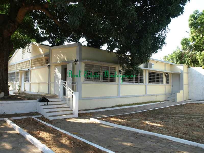 villa-for-sale-near-lycee-français-mahajanga