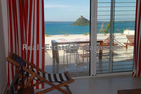 sale-apartment-t2-terrace-sea-view-diego-suarez