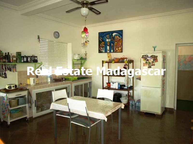 villa-for-sale-222-m²-mahajanga